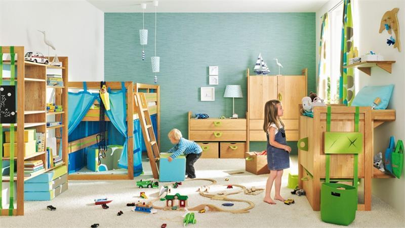 Материал и функционал спортивных детских стенок