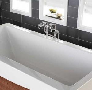 Широкие акриловые ванны